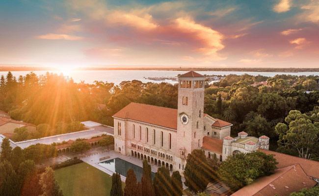 Chương trình học bổng tại University of Western Australia - UWA - TOP 100 thế giới